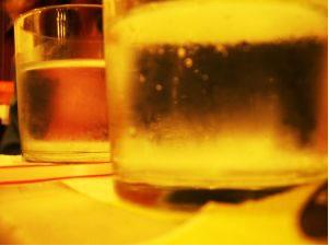 A pressão de vapor da solução formada sempre será menor que a do solvente puro à mesma temperatura