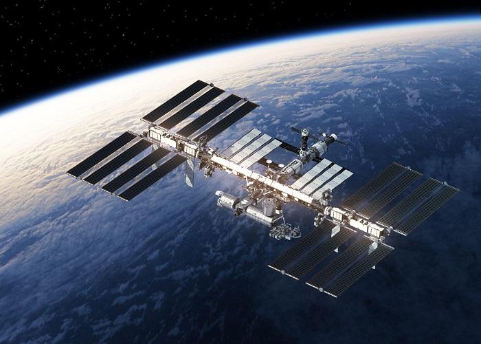 A ISS executa um giro ao redor da Terra em 90 minutos