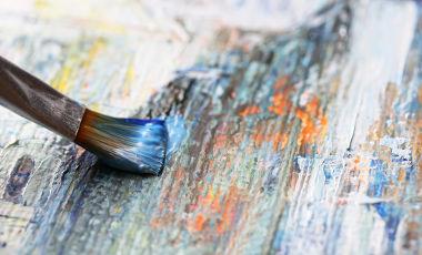 A arte está presente, desde tempos imemoriais, no cotidiano das mais variadas civilizações e culturas