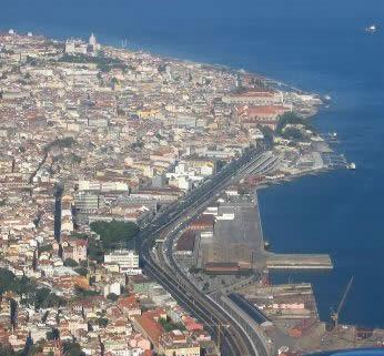 Santos, uma cidade portuária.