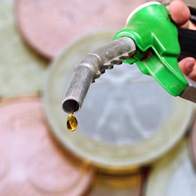 A gasolina adulterada é um lucro fácil para o dono do posto, mas representa possíveis prejuízos para o consumidor
