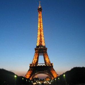 Paris é a cidade mais populosa da Europa.