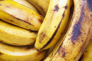 O etileno estimula o amadurecimento de frutos