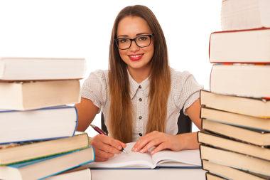 Há três tipos de fichamento: citação, resumo e bibliográfico