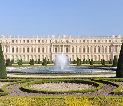 O Palácio de Versalhes é um dos principais símbolos da monarquia absolutista que vigorou durante a Idade Moderna