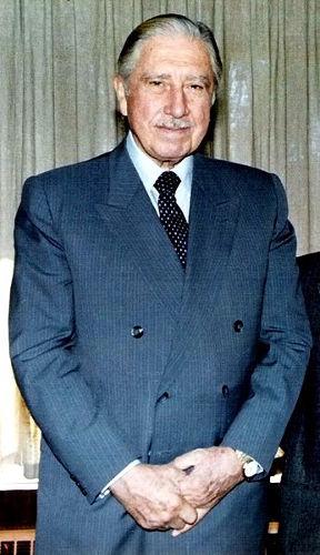 Augusto Pinochet no final dos anos de 1980 *
