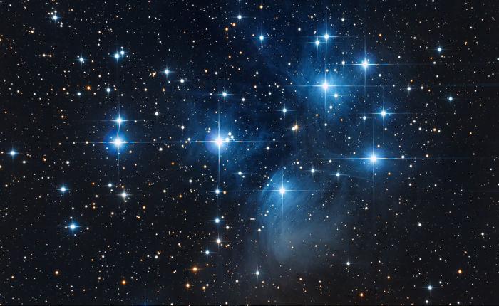 As estrelas são grandes esferas de plasma que são alimentadas pela fusão nuclear.
