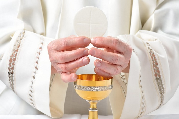 Na data de Corpus Christi, celebra-se o sacramento da eucaristia. Essa comemoração surgiu no século XIII