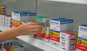O perigo mora na farmácia.