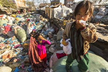 As ações de justiça social visam à melhora das condições de vida de sujeitos em situação precária