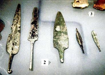 Artefatos em metal produzidos na Antigüidade.