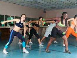 A ginástica localizada é uma das modalidades mais requisitadas nas academias.