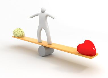 O senso comum suscita o equilíbrio entre os elementos racionais e irracionais (ou emocionais), presentes em todos os seres humanos