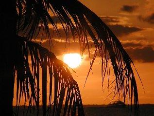 Pôr-do-sol nas Ilhas Cayman.