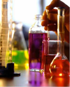 Existem vários tipos de reações químicas, mas todas são representadas por equações químicas.