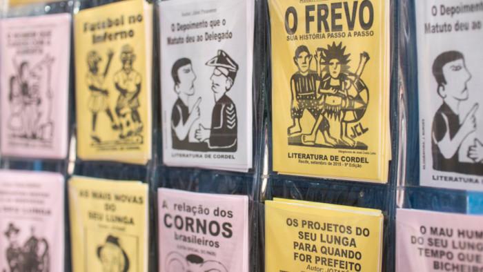 Cordéis expostos em Olinda, Pernambuco.