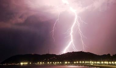 Tempestade na cidade de Santos, estado de São Paulo