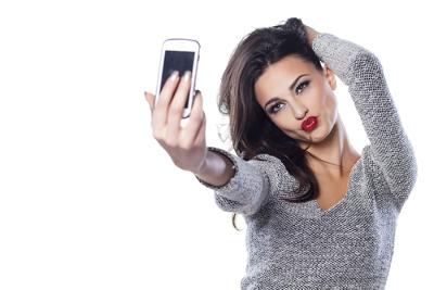 Em 2013, os dicionários da Universidade de Oxford elegeram selfie a palavra do ano por causa do aumento expressivo no número de buscas pelo termo
