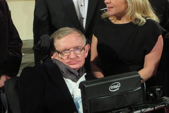 O físico Stephen Hawking foi um conhecido portador da esclerose lateral amiotrófica*