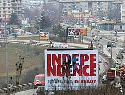 Anúncio da independência de Kosovo na cidade de Prístina.