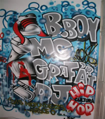 Grafite: manifestação artística muitas vezes considerada como vandalismo.