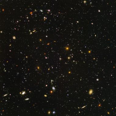 As inúmeras galáxias que compõem o universo estão afastando-se mutuamente