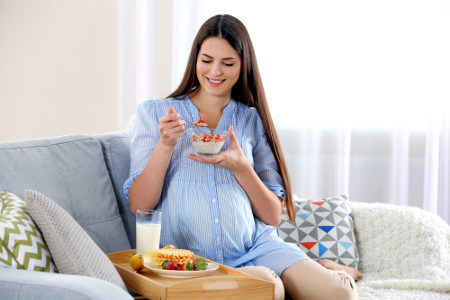 Durante a gestação, o cuidado com a alimentação deve ser constante