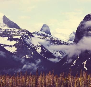 As áreas montanhosas são formadas, na maioria dos casos, por agentes endógenos do relevo