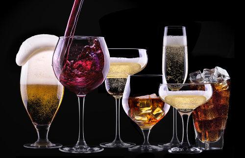 A presença do álcool no organismo interfere na ação dos neurotransmissores