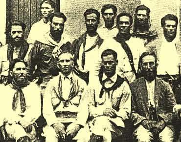 Fotografia com uma parte dos integrantes da Coluna Prestes.