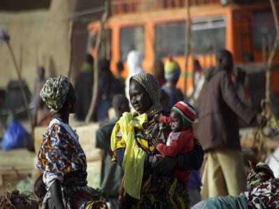 Mulheres tuaregues em mercado do Mali. *