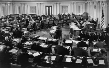 A Ciência Política dedica-se ao estudo dos fenômenos políticos de um governo