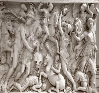 Baixo-relevo romano mostrando uma batalha. Povo marcadamente bélico, os romanos tiveram nos guerreiros bárbaros seus principais algozes