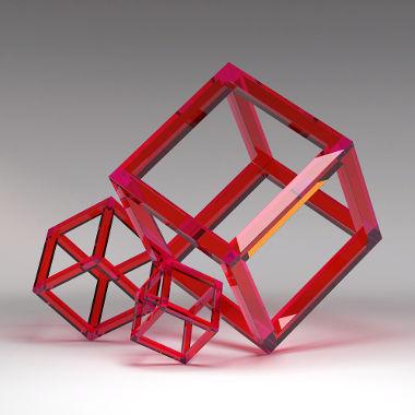 Arestas de um cubo formadas por prismas vermelhos