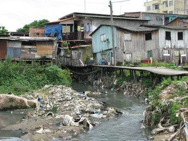 A degradação dos cursos d'água é um problema social e ambiental