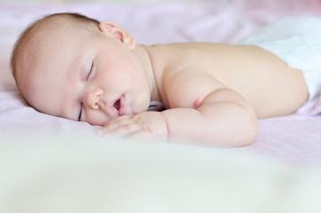 A vacina BCG deve ser aplicada preferencialmente em crianças recém-nascidas