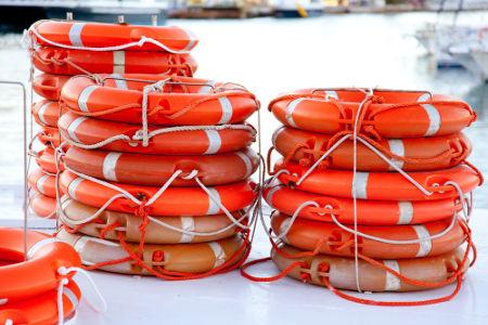 Botes salva-vidas podem ser inflados a partir de reações com hidróxidos