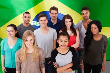 A população brasileira apresenta baixas densidades demográficas e está mal distribuída pelo território