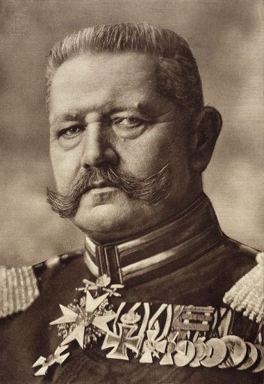 O marechal von Hindenburg foi o segundo presidente da República de Weimar