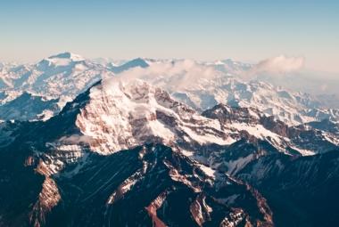 Cordilheira dos Andes, imagem aérea de algumas de suas montanhas