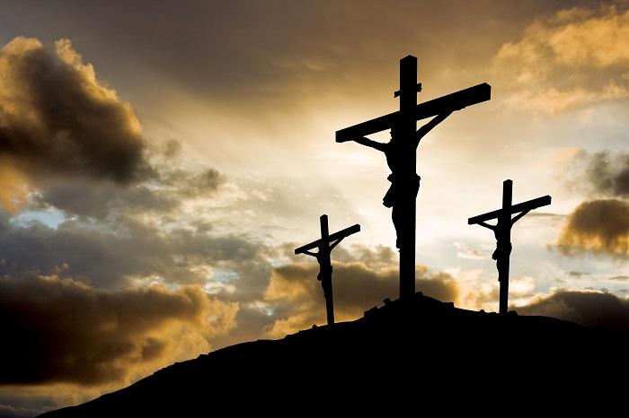A Páscoa cristã relembra a crucificação e celebra a ressurreição de Cristo