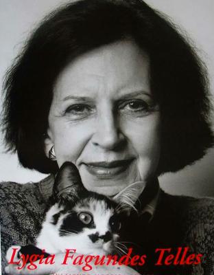 Lygia Fagundes Telles é uma das maiores escritoras da Literatura brasileira. Produziu, ao longo de sua carreira, diversos romances e livros de contos