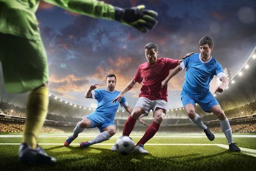 Futebol é o esporte mais popular do planeta e sua forma moderna surgiu na Inglaterra no século XIX*