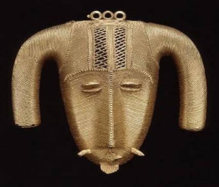 Máscara antiga de ouro