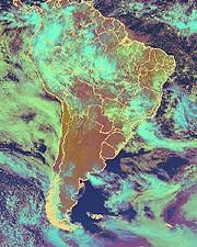 Imagens de Satélites são importantes na elaboração de mapas.