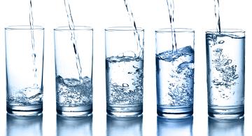 Qual é a quantidade de água que deve ser ingerida diariamente?