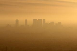 Smog ao oeste de Los Angeles, Califórnia