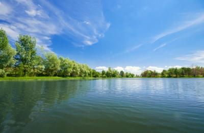 Exemplo de um lago, com pequena extensão