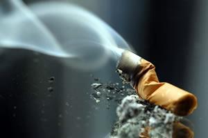 O cigarro é um dos principais exemplos de drogas lícitas.