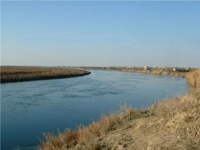 Rio Eufrates, um dos recursos mais estratégicos do Oriente Médio *